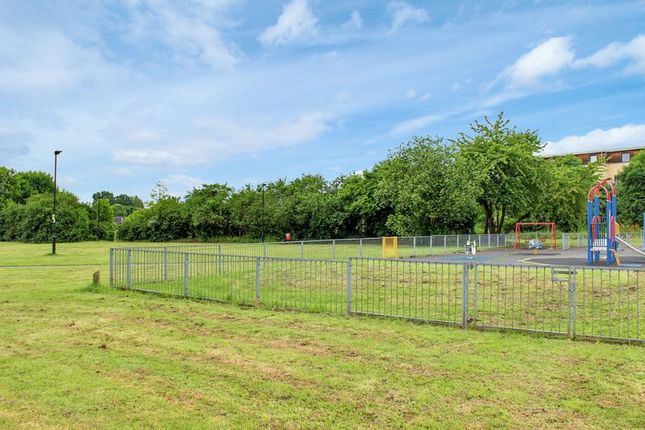 Photo 9 of Waltham Gardens, Enfield EN3