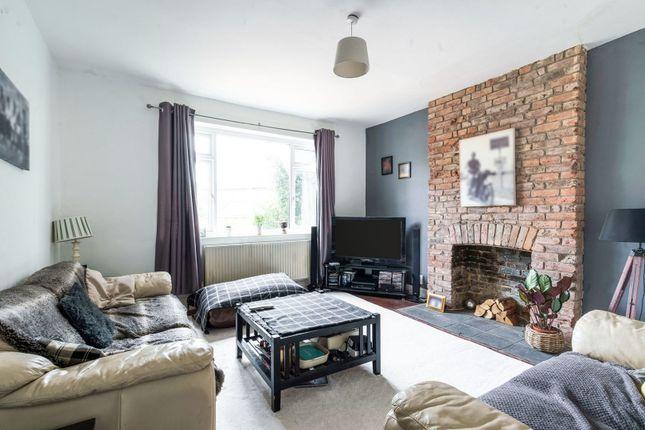 Bedroom/Lounge of 11 Upper Bridge Road, Redhill RH1