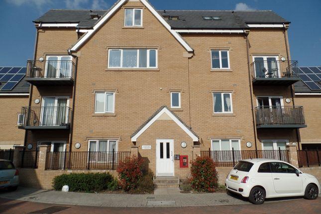 Thumbnail Flat to rent in Varcoe Gardens, Hayes
