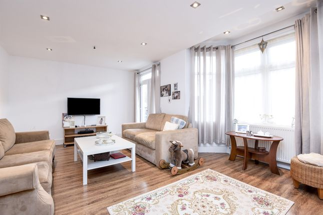 Thumbnail Flat for sale in Southfield Road, Chiswick, London