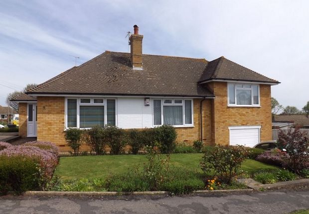 Thumbnail Detached bungalow to rent in Blackfields Avenue, Bexhill-On-Sea, East Sussex
