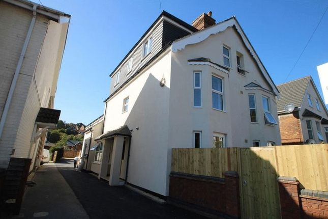 Thumbnail Flat for sale in Hughenden Road, High Wycombe