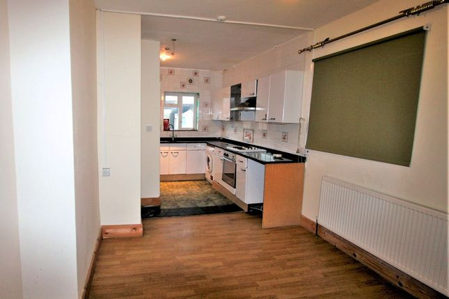 Thumbnail Flat to rent in Cherry Orchard Road, Croydon