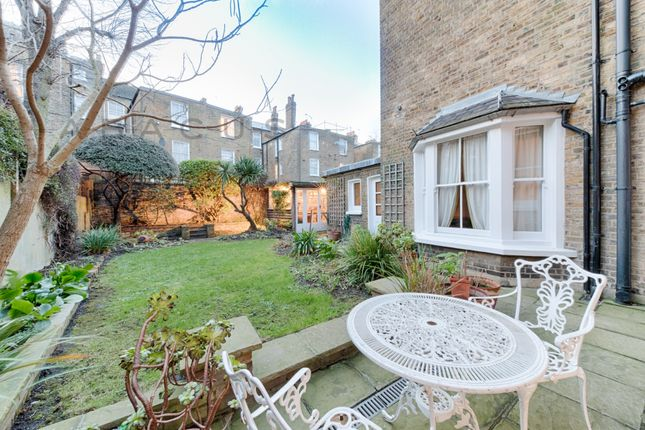 2 bed flat to rent in Ashmore Road, Maida Vale