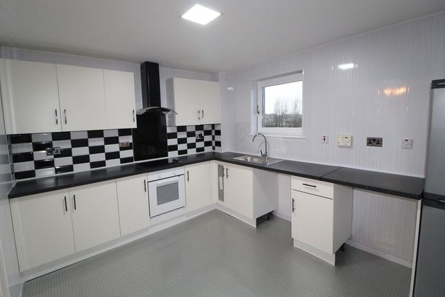 Thumbnail Flat to rent in Calderglen Court, Airdrie, North Lanarkshire