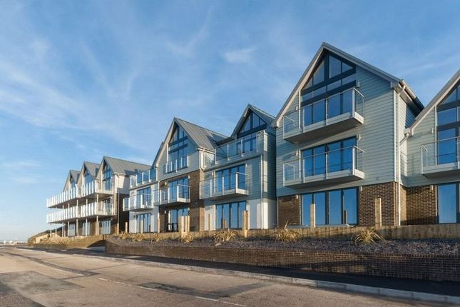 Thumbnail Flat for sale in Princes Esplanade, Gurnard, Isle Of Wight