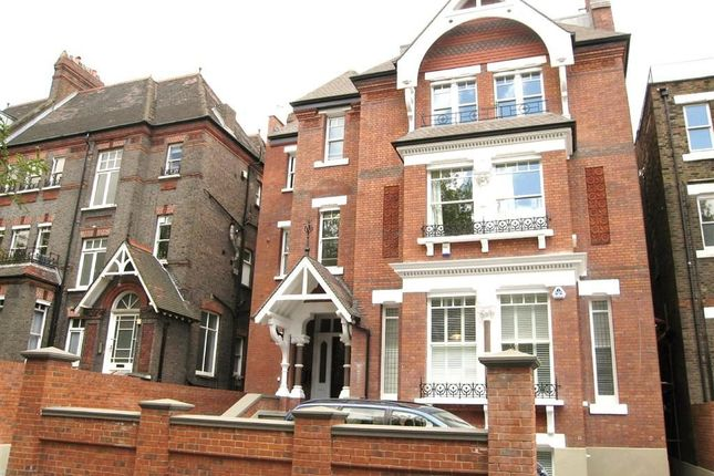 2 bed flat to rent in Fitzjohn's Avenue, Swiss Cottage, London