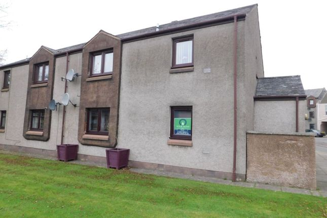 Thumbnail Flat to rent in Wellhead Court, Lanark