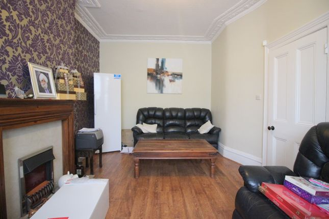 Thumbnail Terraced house to rent in Kingswood Road, Ilford
