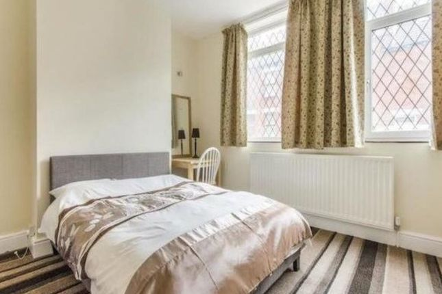 Thumbnail Room to rent in West Street, Hemsworth, Pontefract