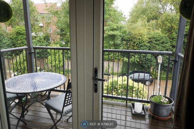 Balcony of Grade Close, Elstree, Borehamwood WD6