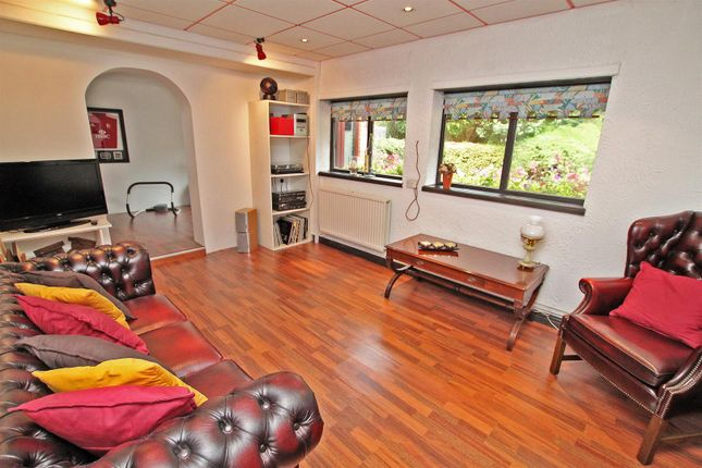 Family Room of Friday Lane, Gedling Village, Nottingham NG4