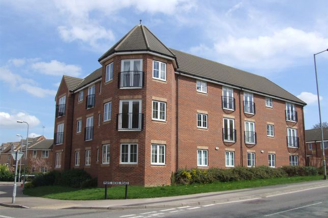 Thumbnail Flat for sale in Lacemakers Court, Rushden