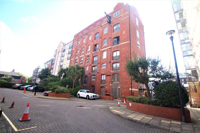 Studio to rent in Buchanans Wharf, Bristol BS1