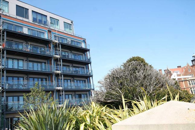Thumbnail Flat for sale in Pavilion Court, Hamilton Gardens, Felixstowe