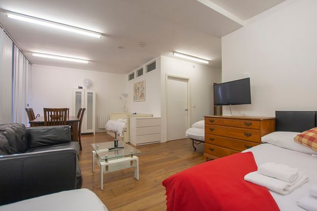Room From Corner of Woolwich Road, London SE10