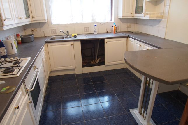 Thumbnail Terraced house to rent in Westoe Road, London