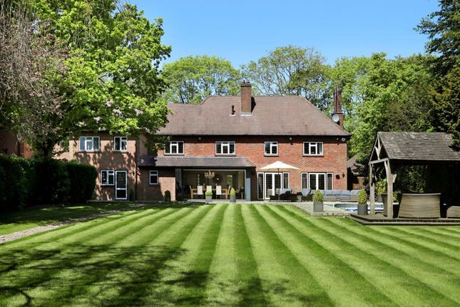 Thumbnail Detached house for sale in Long Walk, Chalfont St. Giles