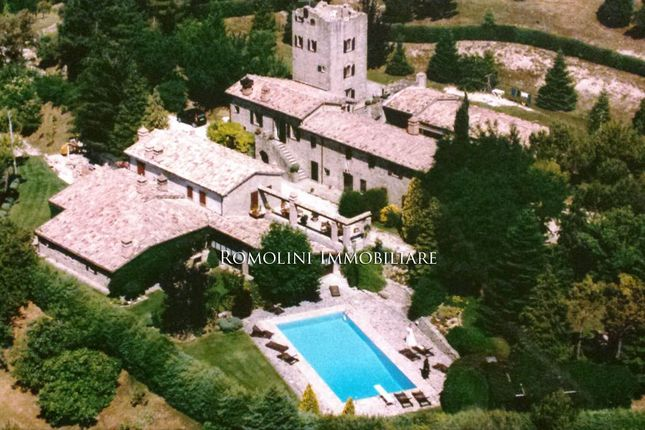 Leisure/hospitality for sale in Gubbio, Umbria, Italy