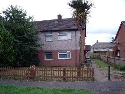 2 bed flat to rent in Johnston Road, Dawley, Telford TF4