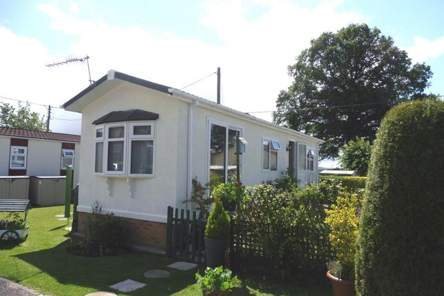 Thumbnail Mobile/park home for sale in Hillview Park Home Estate, Oare, Marlborough