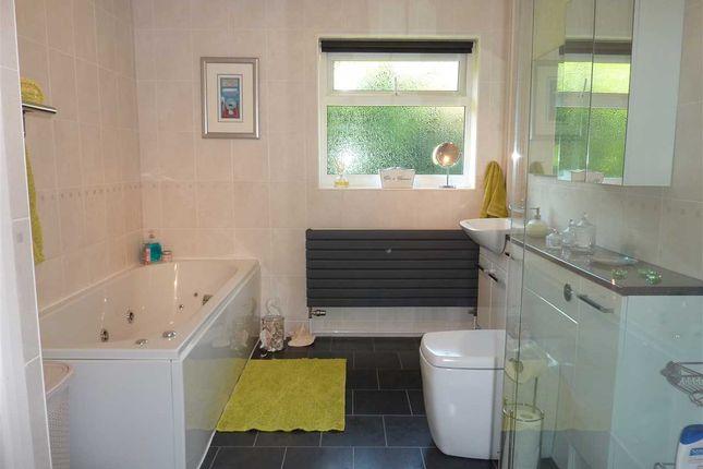 Bathroom of Mill View, Waltham, Grimsby DN37