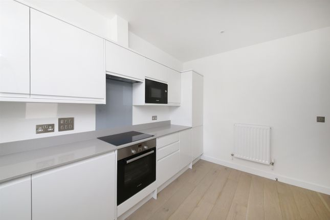 Thumbnail Property for sale in Brockley Road, London