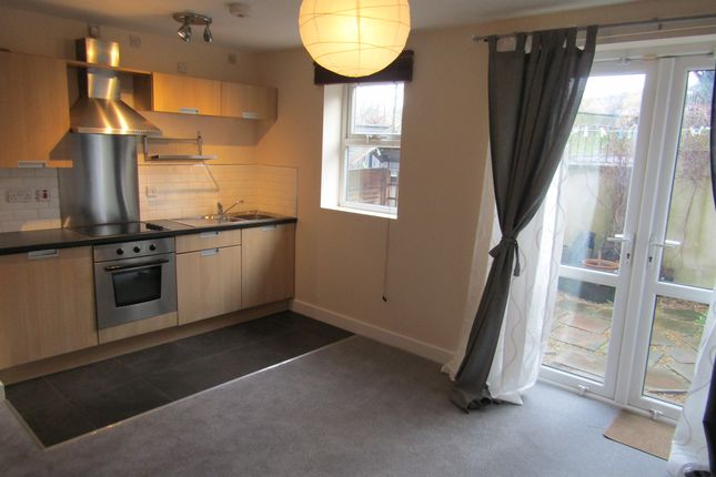 Thumbnail Flat to rent in Airedale House, Leeds
