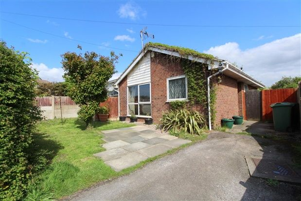 Thumbnail Bungalow for sale in Bridgewater Avenue, Thornton Cleveleys