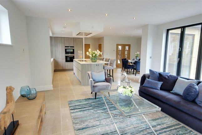 Thumbnail Detached house for sale in Royal Gate, Cuffley, Herts