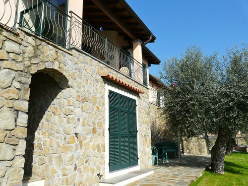 4 bed detached house for sale in Dolceacqua, Imperia, Liguria, Italy