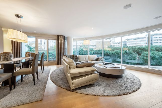 2 bed flat for sale in Octavia House, Fulham