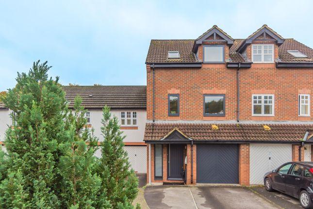 Thumbnail Terraced house for sale in Riverside Walk, Bristol
