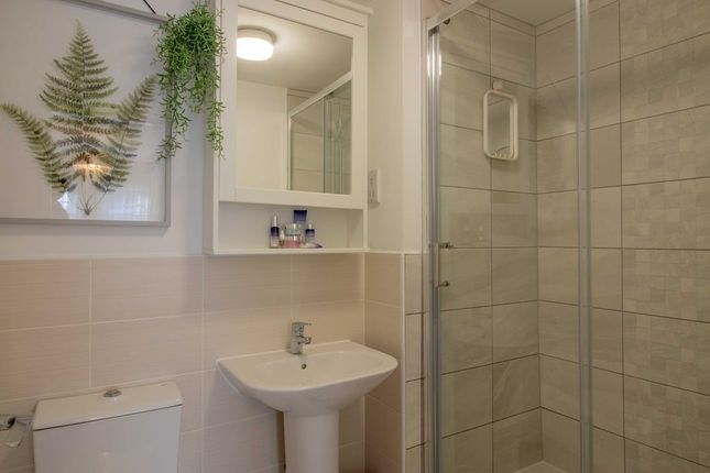 Ensuite To Bed 1 of Station Road, Long Eaton, Nottingham NG10
