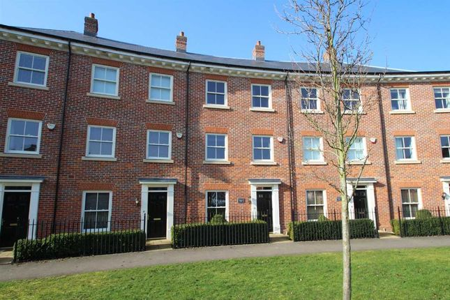 Thumbnail Town house for sale in Grosvenor Close, Ipswich