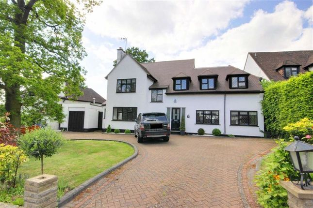 Thumbnail Detached house to rent in Parkgate Avenue, Hadley Wood, Hertforshire