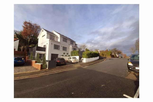 Thumbnail Detached house for sale in Hornchurch Hill, Whyteleafe