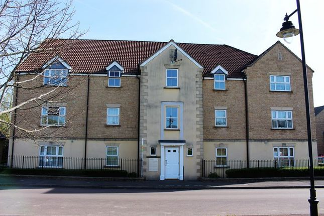 Thumbnail Flat to rent in Kingfisher Court, Calne