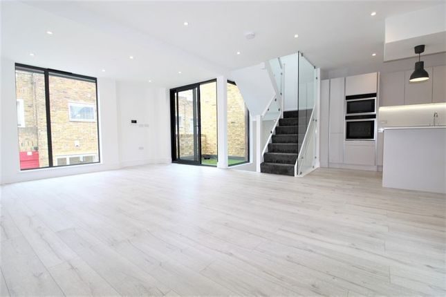 Thumbnail Mews house to rent in Camden Mews, Camden, London