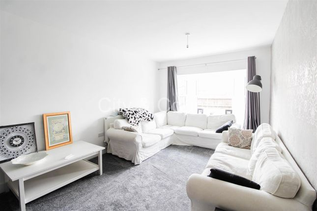woodston singles 2 bedroom terraced house for sale in orchard street, woodston, peterborough single radiator, laminate flooring.