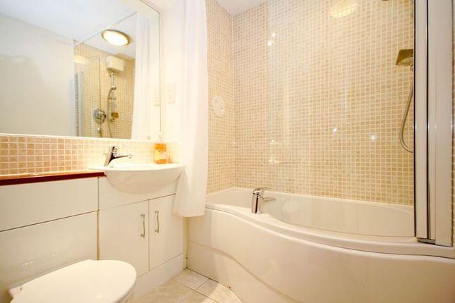 Bathroom of Gilmerton Road, Edinburgh EH17