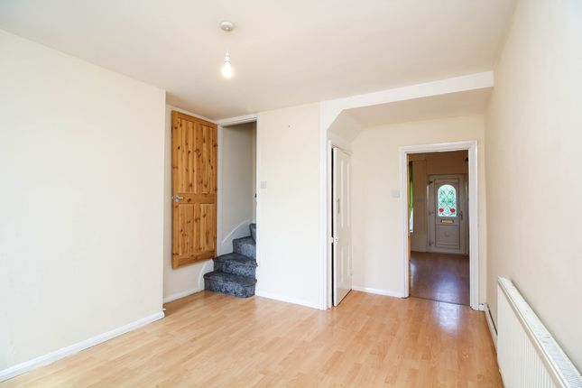 Thumbnail Semi-detached house to rent in Millsborough Road, Redditch