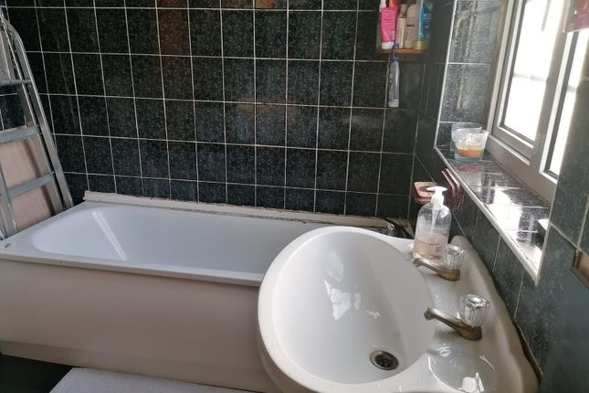 Thumbnail Terraced house to rent in Fulbourne Road, Walthamstow