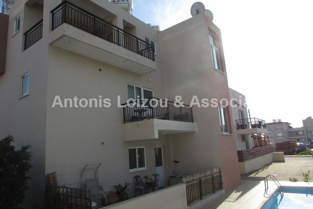 2 bed apartment for sale in Universal, Paphos, Cyprus