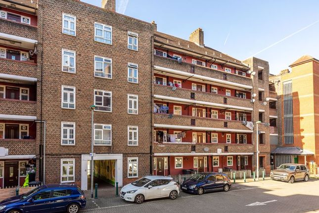 2 bed flat for sale in Homerton Road, London E9