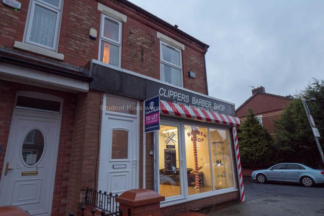 2 bed flat to rent in Gerald Road, Salford