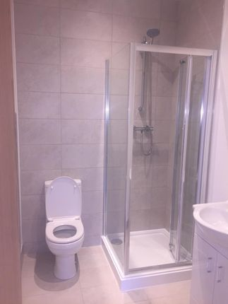 Shower Room of 7 Foxley Hill Road, Purley CR8
