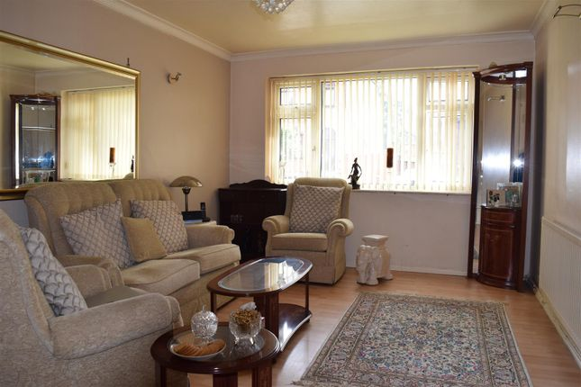 Thumbnail Flat for sale in Brook Road, Fallowfield, Manchester