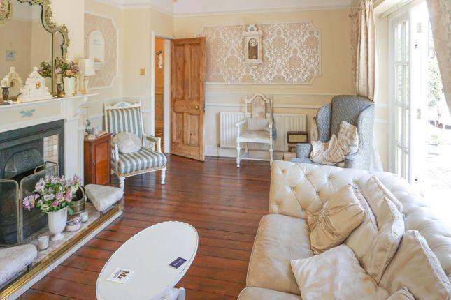 Lounge of Wellingborough Road, Finedon NN9