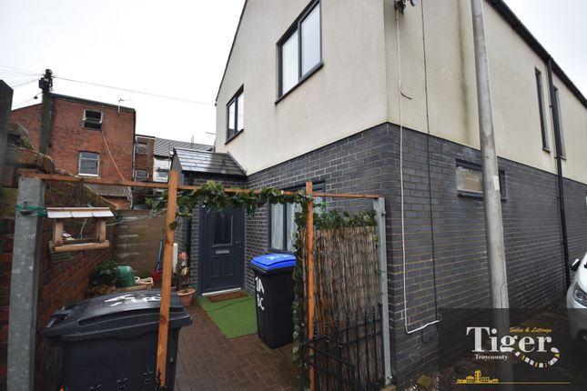2 bed semi-detached house to rent in Back Clarendon Road, Blackpool FY1